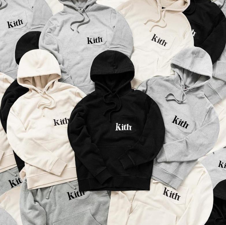 kith monday program 11/19 ロゴ入りポケット付きパーカー